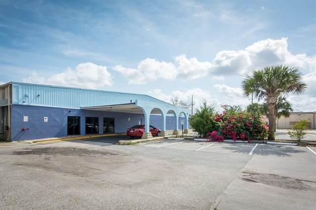 4151 W Oak Ridge Road, Orlando, FL 32809 (MLS #O5943480) :: Sarasota Property Group at NextHome Excellence