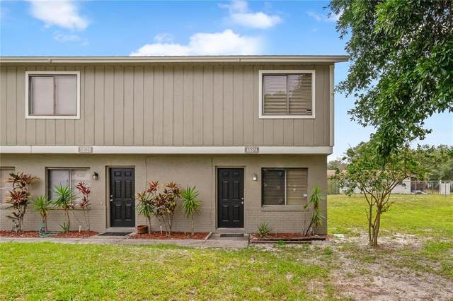 12074 Tift Circle, Orlando, FL 32826 (MLS #O5943602) :: Pepine Realty