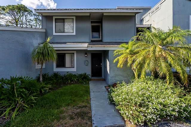 709 Saint Michael Lane, Altamonte Springs, FL 32714 (MLS #O5945127) :: Alpha Equity Team