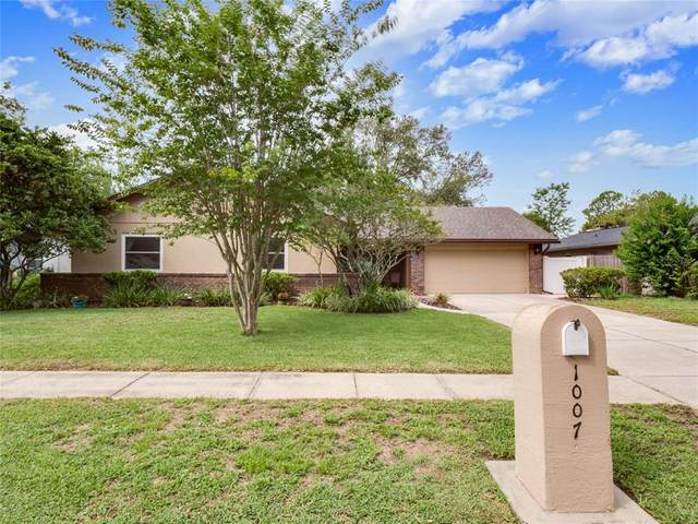 1007 Forest Circle, Winter Springs, FL 32708 (MLS #O5952189) :: CGY Realty
