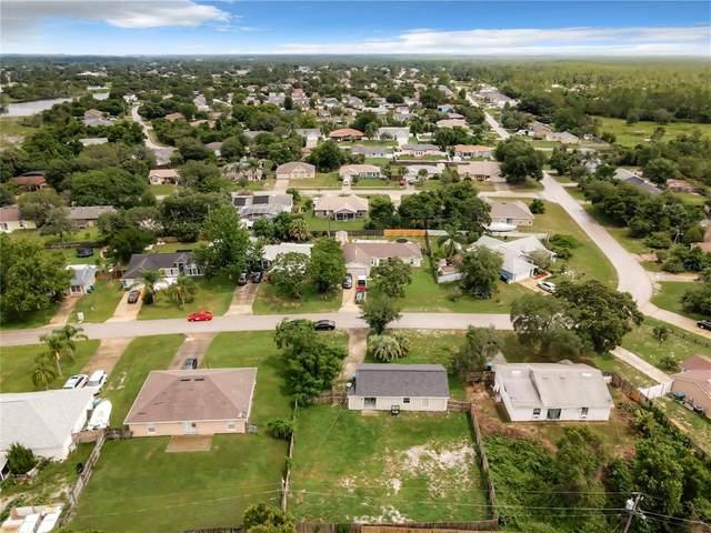 3223 S Dorchester Drive, Deltona, FL 32738 (MLS #O5955283) :: The Light Team