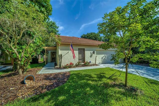 1030 W Pebble Beach Circle, Winter Springs, FL 32708 (MLS #O5960344) :: Zarghami Group