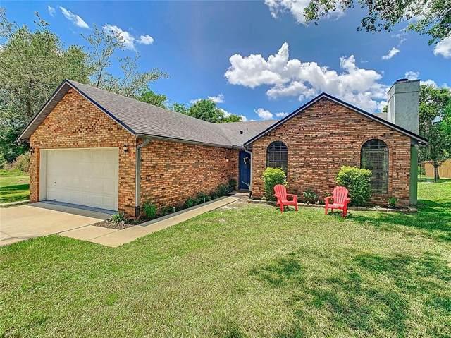 250 Linda Vista Street, Debary, FL 32713 (MLS #O5960781) :: Young Real Estate