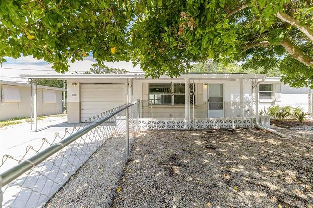 2128 Holiday Drive, Holiday, FL 34691 (MLS #O5960997) :: Burwell Real Estate