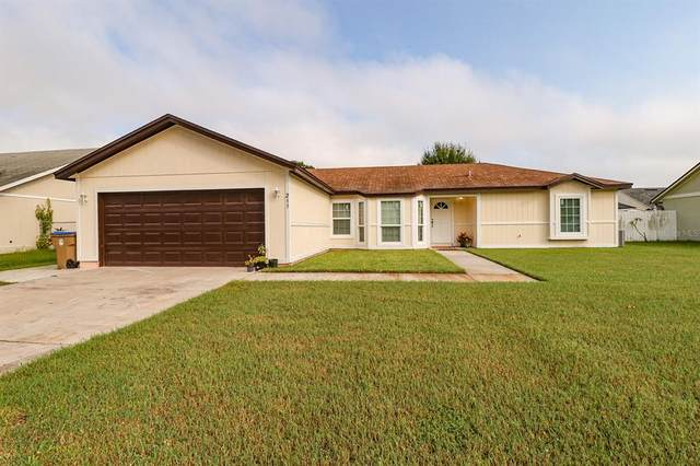 211 Red Maple Drive, Kissimmee, FL 34743 (MLS #O5961154) :: Zarghami Group