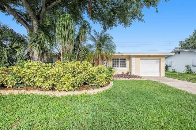 1349 Regina Drive W, Largo, FL 33770 (MLS #O5963995) :: Godwin Realty Group