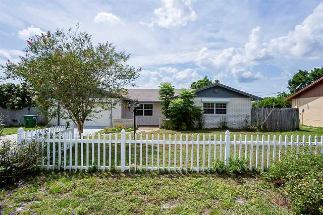 1300 Bakersfield Avenue, Deltona, FL 32725 (MLS #O5970378) :: Premium Properties Real Estate Services