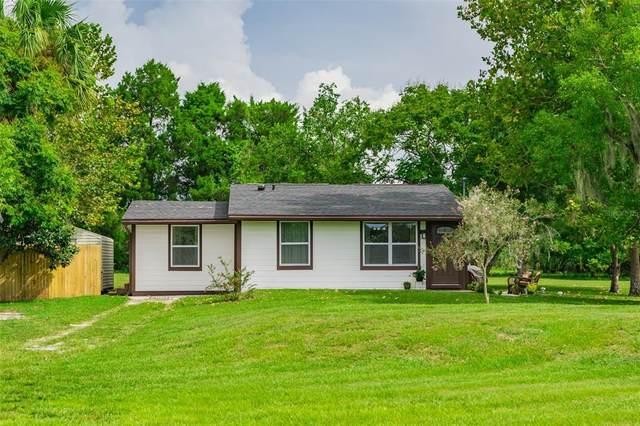 305 Uranus Trail, Osteen, FL 32764 (MLS #O5970911) :: Vacasa Real Estate