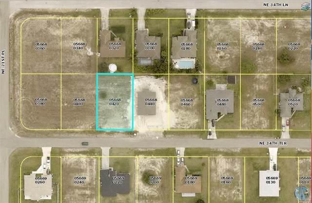 2131 NE 34TH Terrace, Cape Coral, FL 33909 (MLS #O5972672) :: The Paxton Group