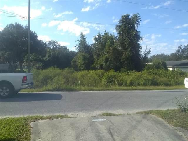 17818 SE 24TH Street, Silver Springs, FL 34488 (MLS #O5976286) :: Delgado Home Team at Keller Williams