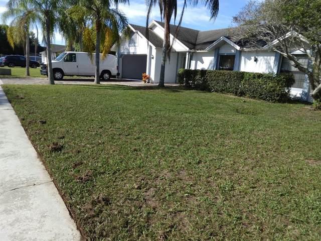 142 Red Rose Circle, Orlando, FL 32835 (MLS #O5979053) :: Bob Paulson with Vylla Home