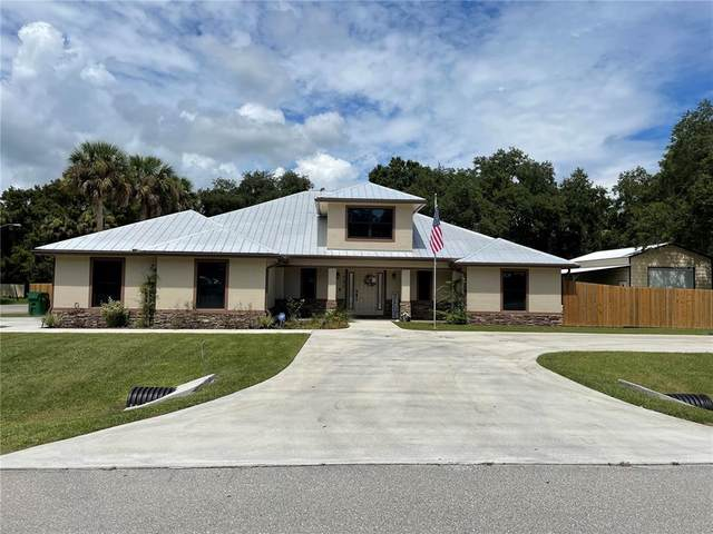 707 SE 8TH Drive, Okeechobee, FL 34974 (MLS #OK220639) :: Everlane Realty