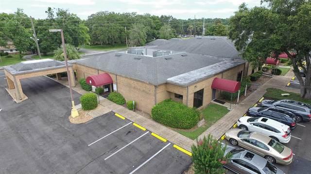 1805 SE Lake Weir Avenue, Ocala, FL 34471 (MLS #OM557730) :: Lockhart & Walseth Team, Realtors