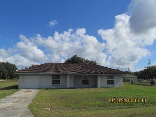 35 Pine Trace, Ocala, FL 34472 (MLS #OM563864) :: The Light Team