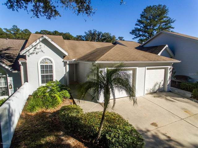 2443 SE 18th Circle, Ocala, FL 34471 (MLS #OM569271) :: The Dora Campbell Team