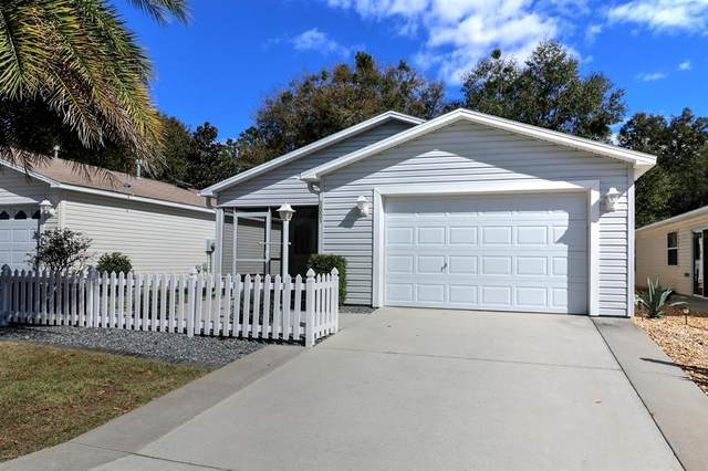 1551 Woodfield Way Way, The Villages, FL 32162 (MLS #OM570366) :: Realty Executives in The Villages