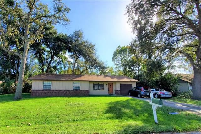 5620 NE 6TH Place, Ocala, FL 34470 (MLS #OM610930) :: Godwin Realty Group