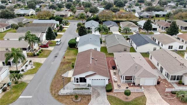 2430 Laurel Bay Lane, The Villages, FL 32162 (MLS #OM613300) :: Realty Executives in The Villages