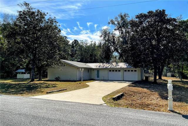 23262 SW Pony Ridge Drive, Dunnellon, FL 34431 (MLS #OM613938) :: Griffin Group