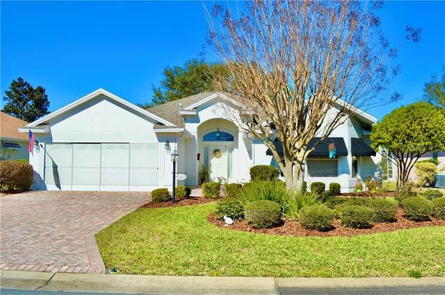 2439 Tamarindo Drive, The Villages, FL 32162 (MLS #OM614827) :: The Duncan Duo Team
