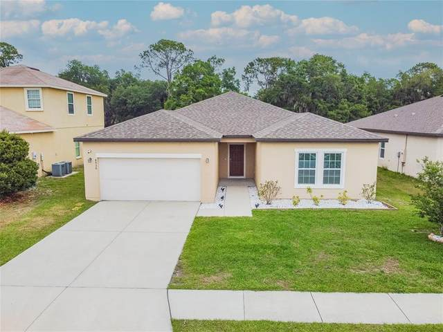 4936 St James Street, Winter Haven, FL 33881 (MLS #OM620284) :: Prestige Home Realty