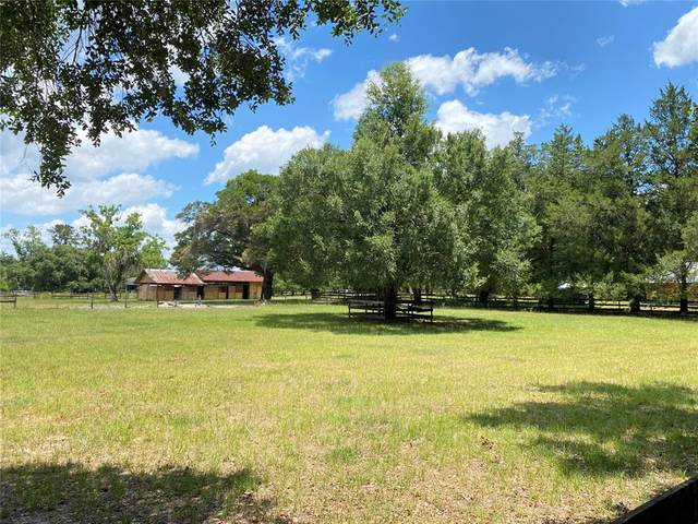 8025 NW 115TH Avenue, Ocala, FL 34482 (MLS #OM621317) :: Kelli and Audrey at RE/MAX Tropical Sands