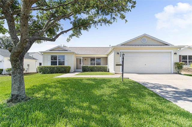 8190 SE 175TH COLUMBIA Place, The Villages, FL 32162 (MLS #OM621824) :: Southern Associates Realty LLC