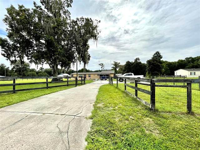 12695 SE 47TH Avenue, Belleview, FL 34420 (MLS #OM622260) :: Prestige Home Realty