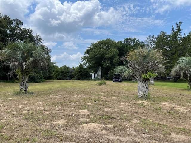 7910 E Highway 25, Belleview, FL 34420 (MLS #OM624309) :: Pristine Properties