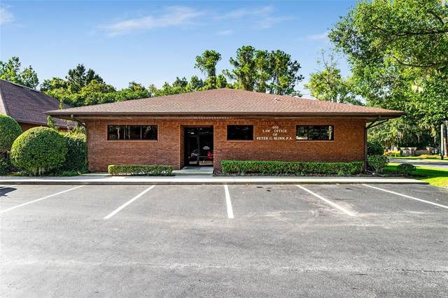 1800 SE 17TH Street, Ocala, FL 34471 (MLS #OM626319) :: The Truluck TEAM