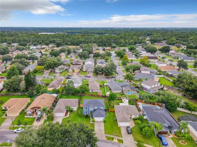 4216 Stonefield Drive, Orlando, FL 32826 (MLS #OM627072) :: Zarghami Group