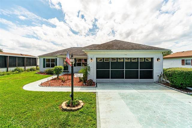 1736 W Schwartz Boulevard, Lady Lake, FL 32159 (MLS #OM627462) :: RE/MAX Marketing Specialists