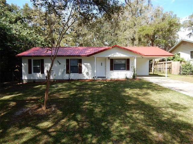 310 NE 4TH Avenue, Williston, FL 32696 (MLS #OM628961) :: Young Real Estate