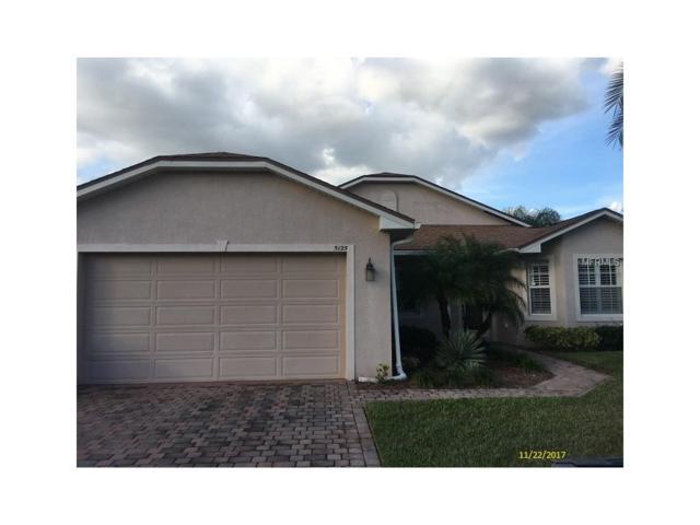 5125 Winged Foot Lane, Winter Haven, FL 33884 (MLS #P4718243) :: The Lockhart Team