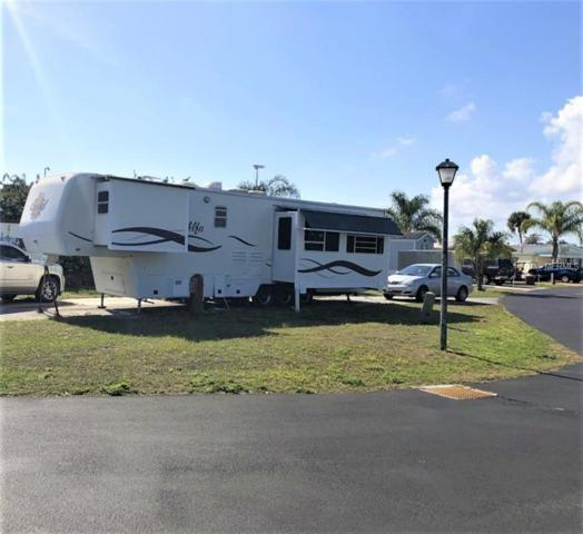1 Royal Coachman Street, Lake Wales, FL 33898 (MLS #P4905142) :: The Duncan Duo Team