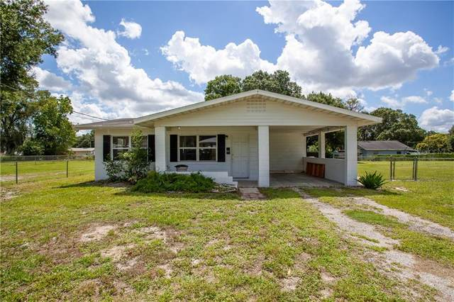 1502 33RD ST NW, Winter Haven, FL 33881 (MLS #P4911255) :: The Light Team