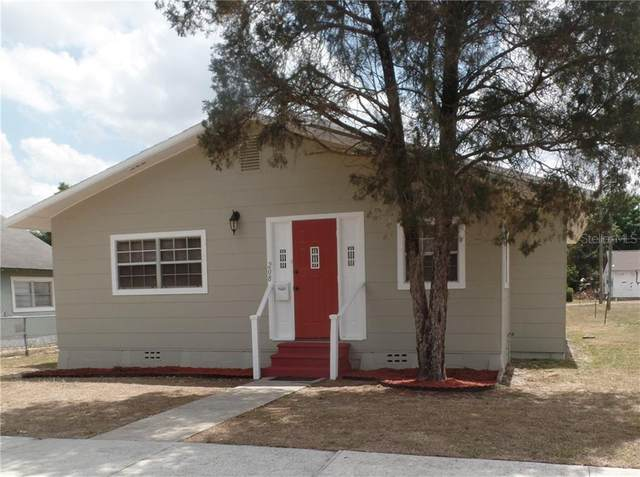 208 E Bullard Avenue, Lake Wales, FL 33853 (MLS #P4915245) :: The Heidi Schrock Team