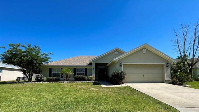 7676 Canterbury Circle, Lakeland, FL 33810 (MLS #P4915690) :: The Hesse Team