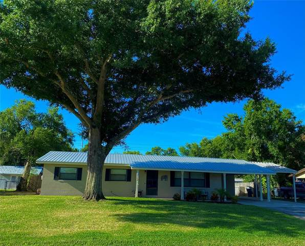 112 7TH JPV Street Jpv, Winter Haven, FL 33880 (MLS #P4915739) :: Delgado Home Team at Keller Williams
