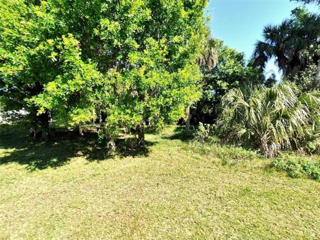 7702 Hibiscus Road, Fort Pierce, FL 34951 (MLS #R4901824) :: The Duncan Duo Team