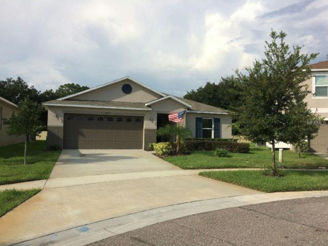 959 Emerald Green Court, Kissimmee, FL 34746 (MLS #S5008598) :: NewHomePrograms.com LLC
