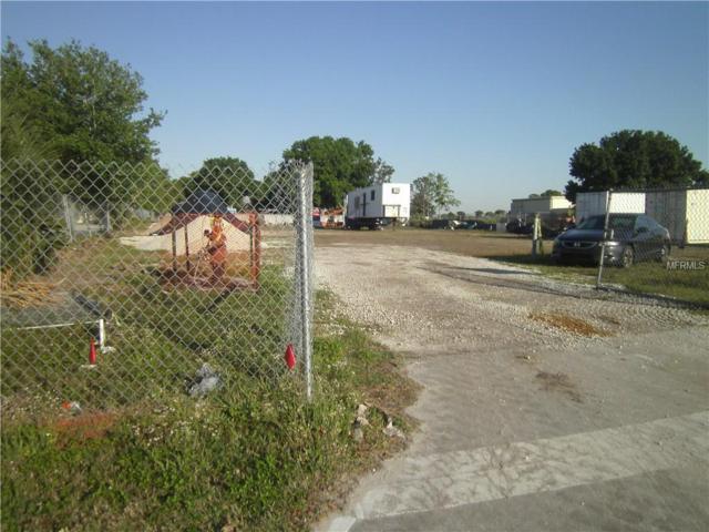 140 Oakwood Drive, Kissimmee, FL 34743 (MLS #S5015339) :: The Duncan Duo Team