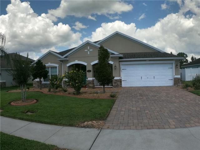 4621 Cypress Landing Lane, Saint Cloud, FL 34772 (MLS #S5018190) :: The Duncan Duo Team