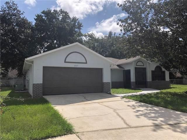 2825 Shea Court, Kissimmee, FL 34744 (MLS #S5023347) :: Florida Real Estate Sellers at Keller Williams Realty