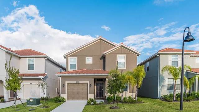 9004 Majesty Palm Road, Kissimmee, FL 34747 (MLS #S5023660) :: Gate Arty & the Group - Keller Williams Realty Smart