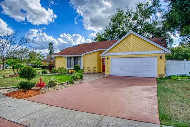 8044 Lesia Circle, Orlando, FL 32835 (MLS #S5024636) :: Florida Real Estate Sellers at Keller Williams Realty