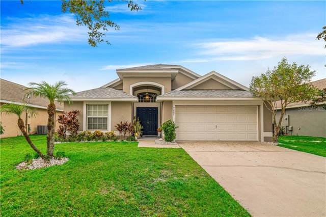 5207 Sunset Canyon Drive, Kissimmee, FL 34758 (MLS #S5026070) :: Keller Williams Realty Peace River Partners