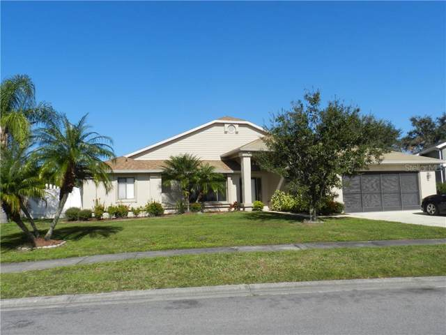 385 Blue Bayou Drive, Kissimmee, FL 34743 (MLS #S5028770) :: Florida Real Estate Sellers at Keller Williams Realty