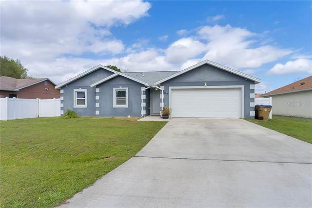 207 Canterbury Court, Kissimmee, FL 34758 (MLS #S5030319) :: Alpha Equity Team