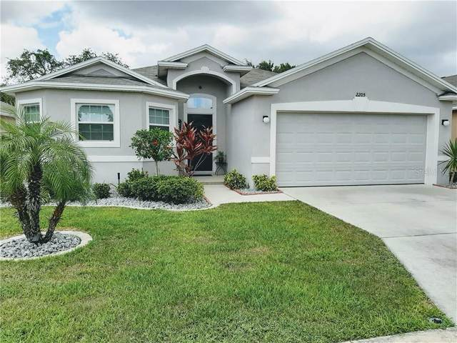 2205 Lakeridge Drive, Winter Haven, FL 33881 (MLS #S5034411) :: Sarasota Home Specialists